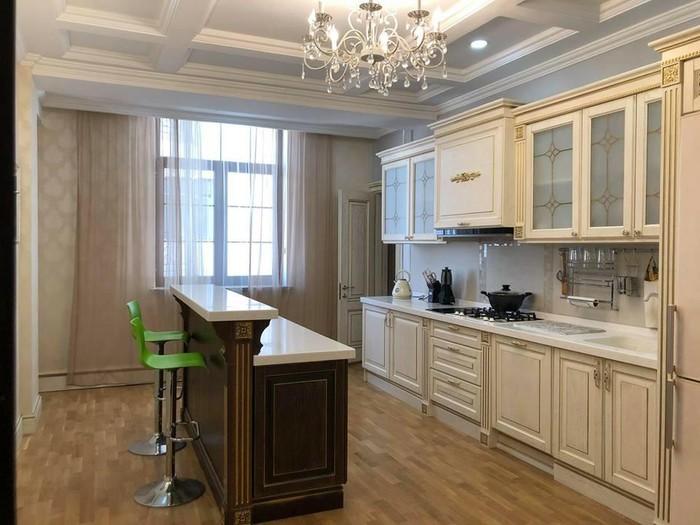 Продается квартира: 4 комнаты, 230 кв. м., Бишкек. Photo 4