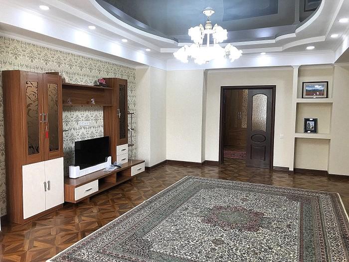 Сдается квартира: 2 комнаты, 103 кв. м., Бишкек. Photo 0