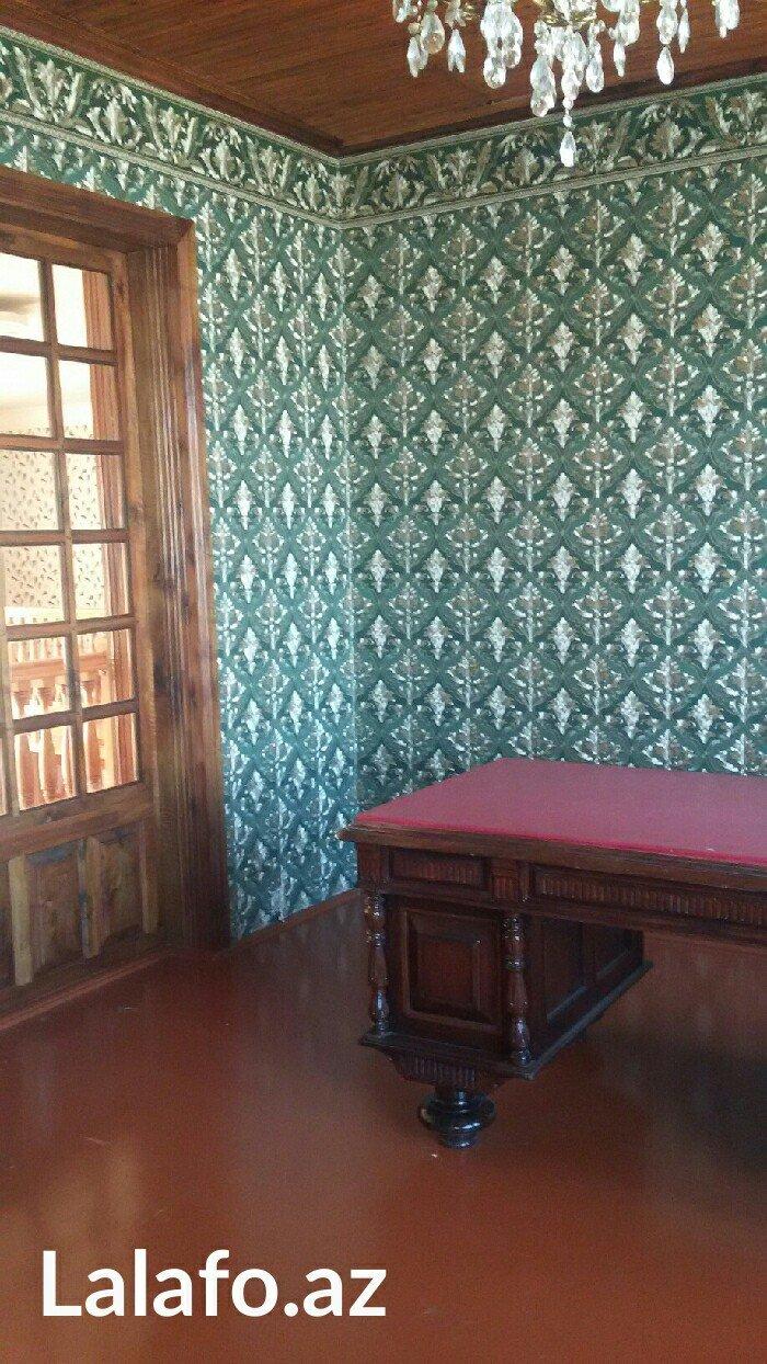 Xaçmaz şəhərində Xacmazin merkezinde ikimertebeli ev tecili satilar