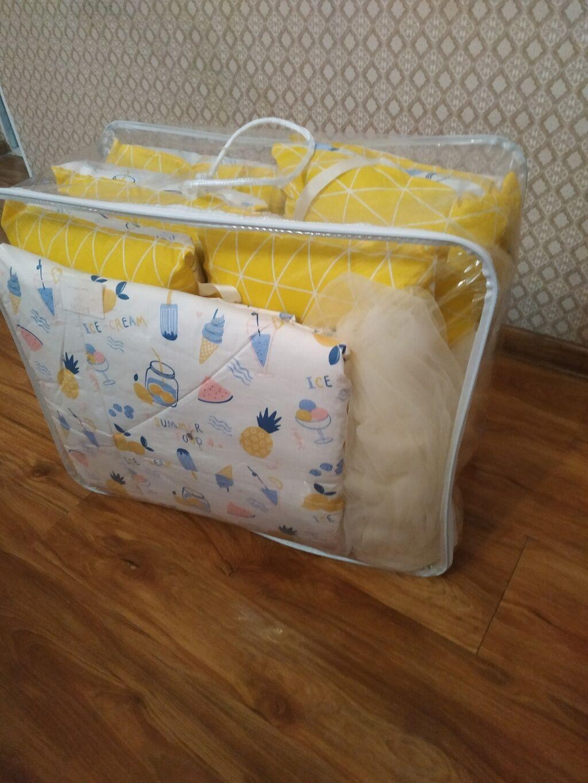 бортик новый в комплекте есть 12 подушки простынь одеяло все вместе 1600 сом + в подарок большой туль новый!