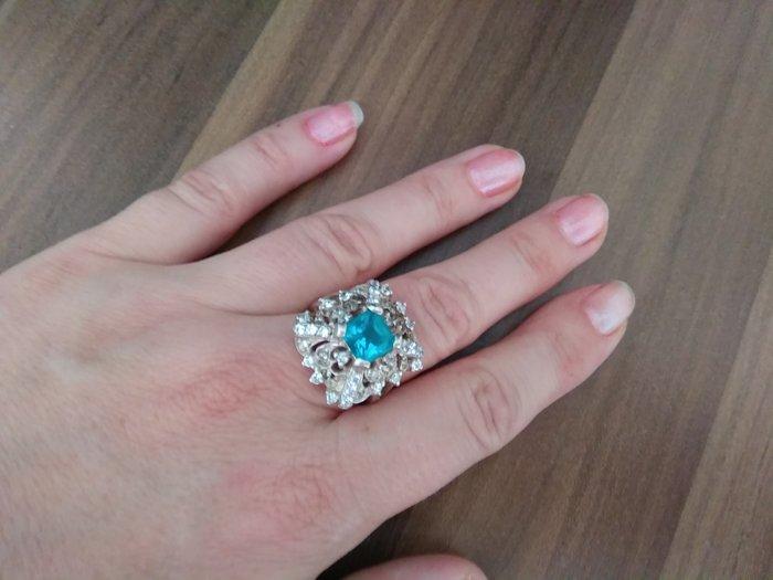 Продам серебряное кольцо. Photo 0