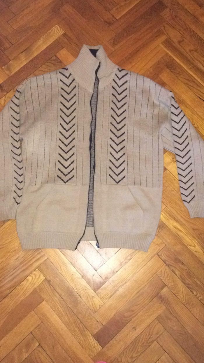 Мужская фабрично вязанная курточка, теплая. размер 42-44. Photo 0