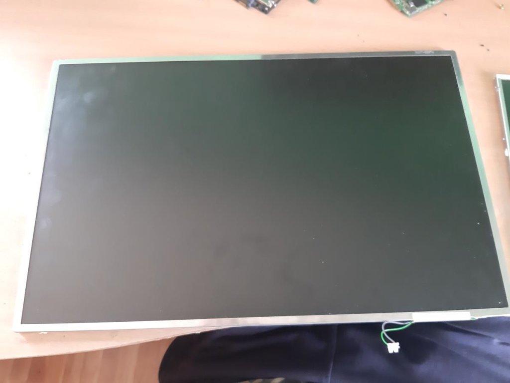 Laptop display nov ne koriscen tek raspakovan