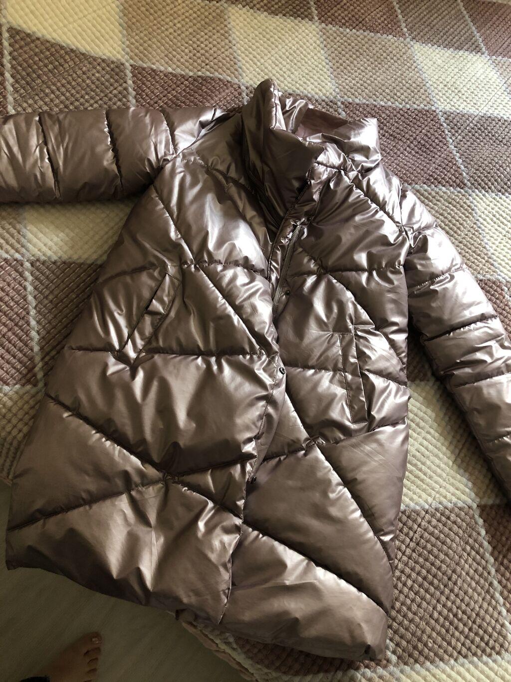 Продаю куртку размер М 999 сом: Продаю куртку размер М 999 сом