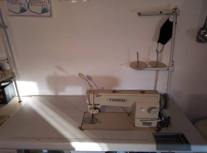 Швейная машина,  примая строчка . Photo 0
