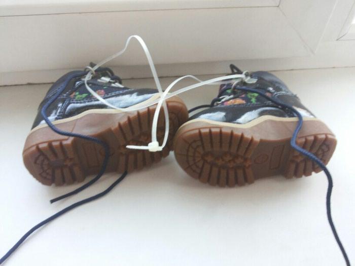 Ботинки деми фирма Timberland. Лакированные. Новые. Размер 20.5. Photo 1