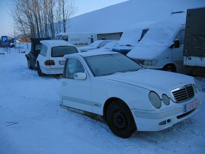 Запасные на Мерс 124 210 кузов!  в Бишкек