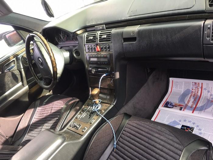 Mercedes-Benz E 430 1998. Photo 3