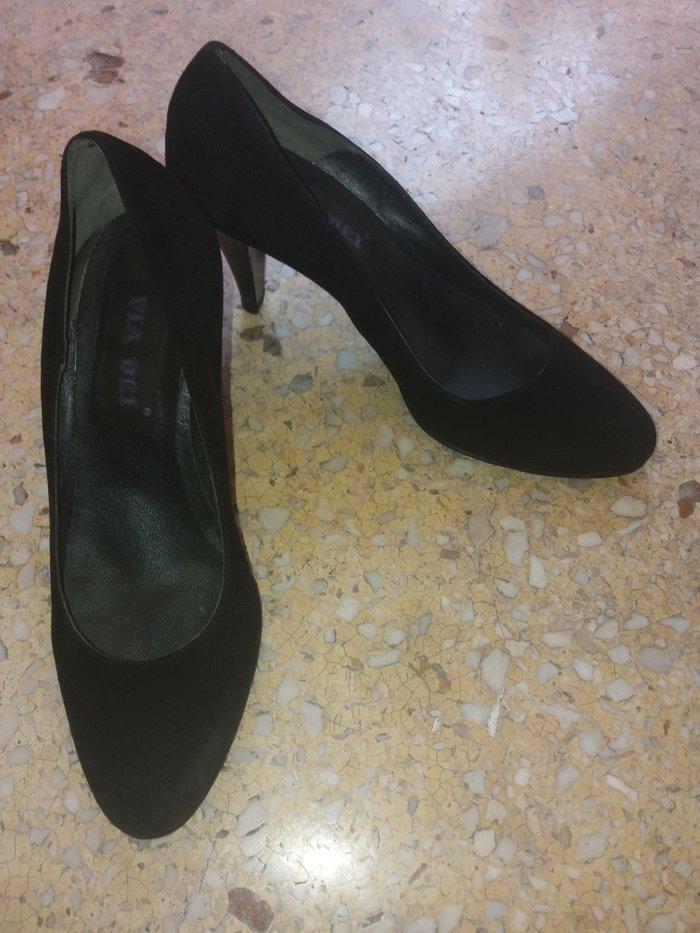 Γόβες μαύρες καστορινες no38 (αρχική τιμη 54€) φορεμένες μονο 1 φορά σε  Υπόλοιπο 17b851acc6c