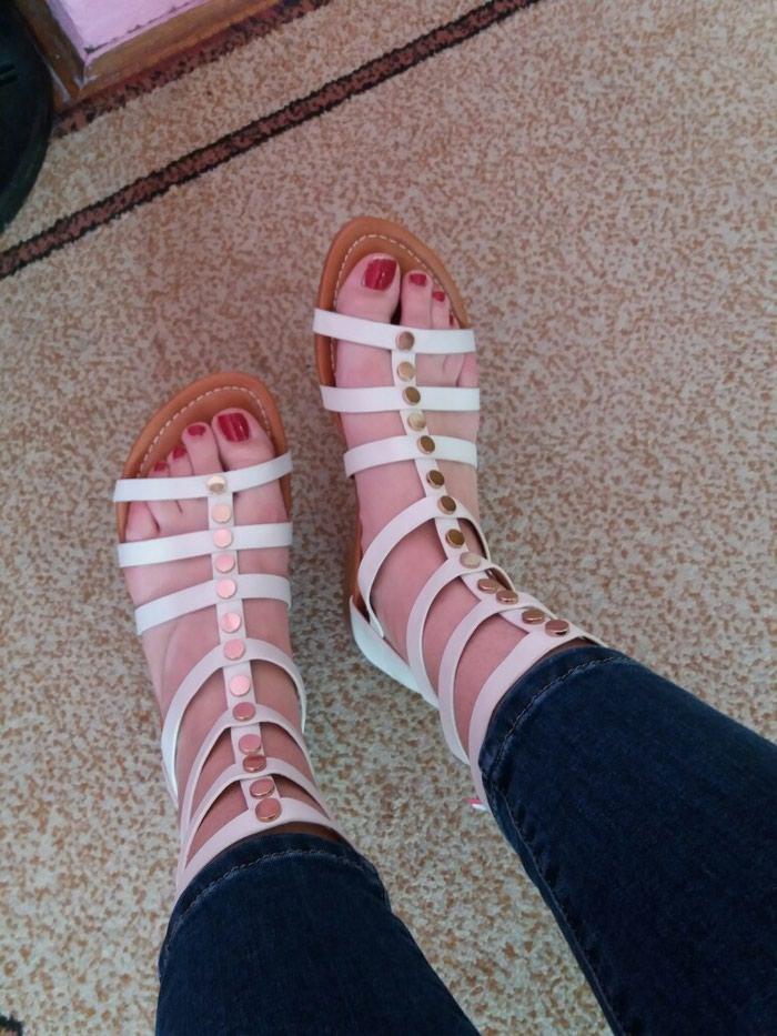 Sandale (nove, nenošene- ne odgovara broj). Photo 1