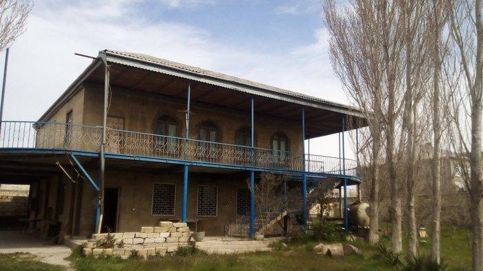 Sumqayıt şəhərində Sumqayıt qurd dərəsi bağları saraya yaxın. 17 sot.2 mərtəbə