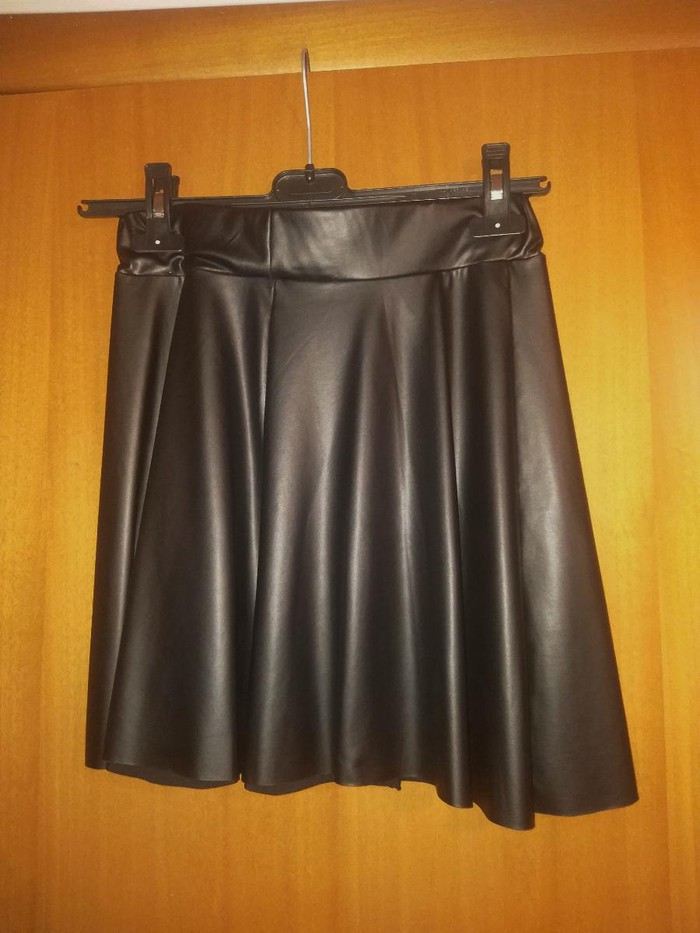 Mini skirt Δερμάτινη Μαύρη Νούμερο:Small-Medium. Photo 0