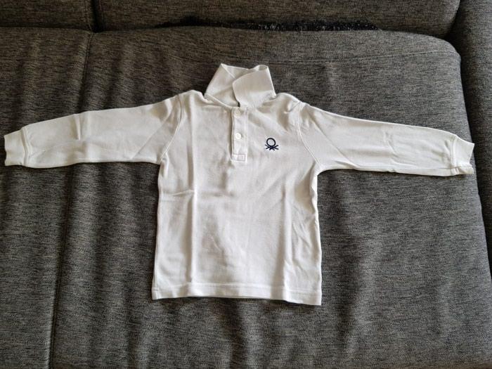 Benetton majica velicina 90 (2godine). ima tackicu koja je slikana. - Beograd