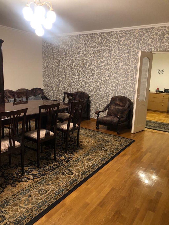Продается квартира: 5 комнат, 1 кв. м