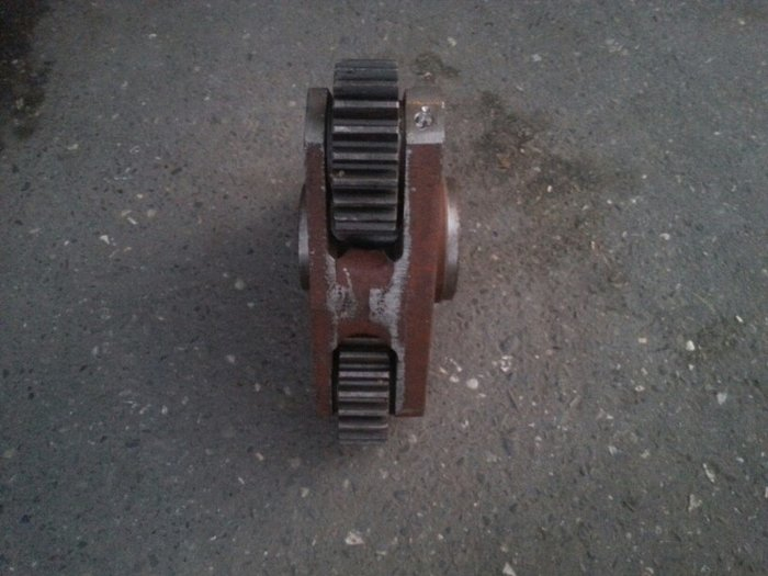 Traktor detali teze. 1221 satalit. Photo 4