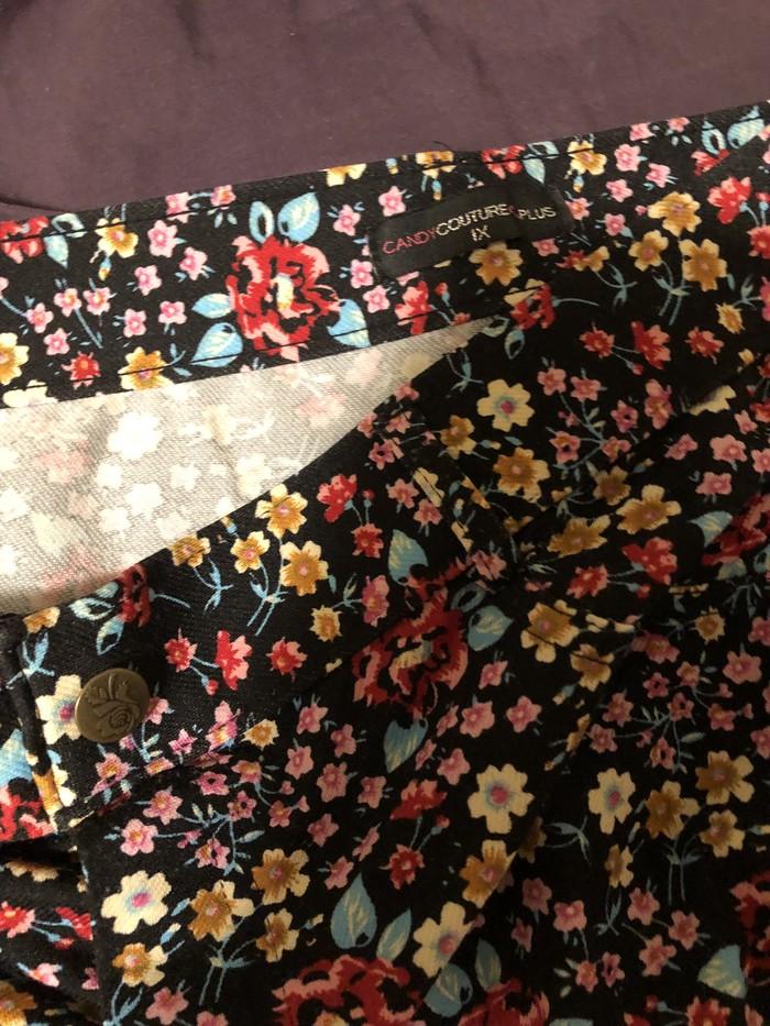 Candy couture capris XL! . Photo 1