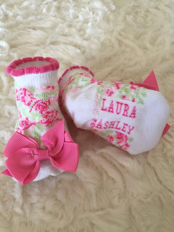 Laura Ashley shoe socks. 0-6 months. 2 αφορατα. . Photo 3