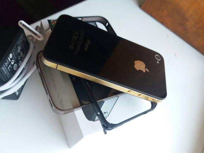 Iphone 4s идеальное состояние меняю на j3(2016) без доплаты!По поводу  в Бишкек