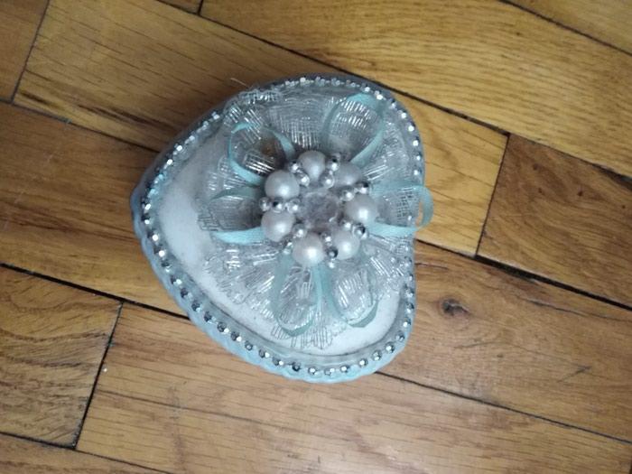 Keramicka ukrasna kutijica za odlaganje stvari extra ocuvana. Photo 0