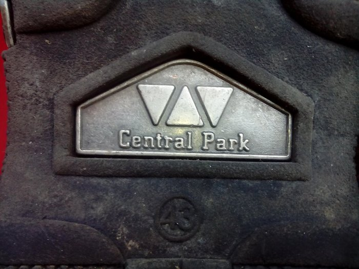 ,,,cantral park... Monadika dermatina papoutsia amerikanika ,43 no σε Δράμα