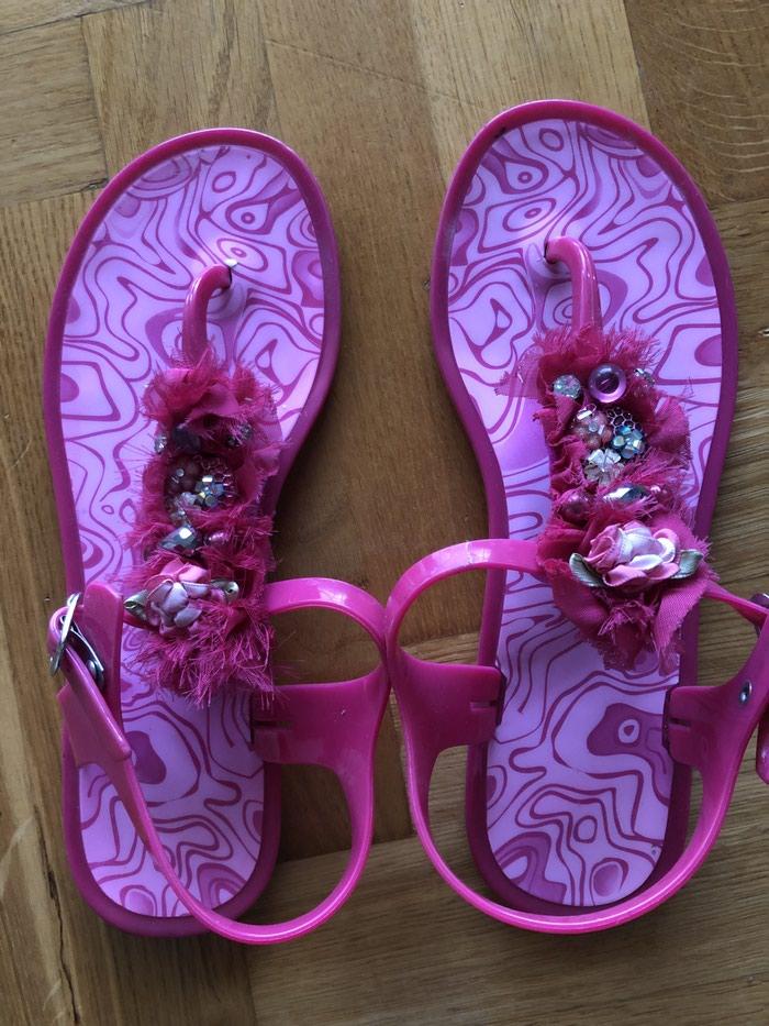 Kao nove sandale. Preudobne, bez ogrebotine i ostecenja. Broj 40. . Photo 0