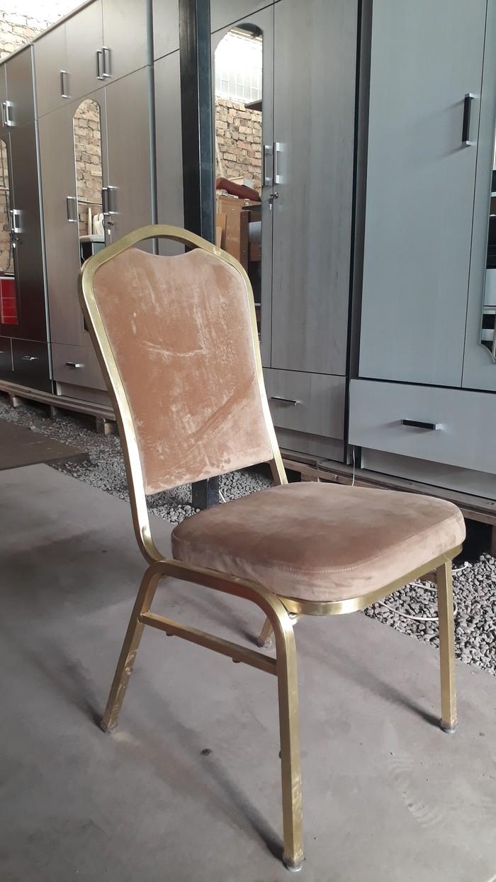 Железные стуля с мяхкий спинками и сидушками 16шт сена 1800 . Photo 0