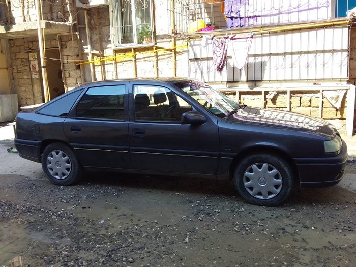 Opel Vectra 1993. Photo 4