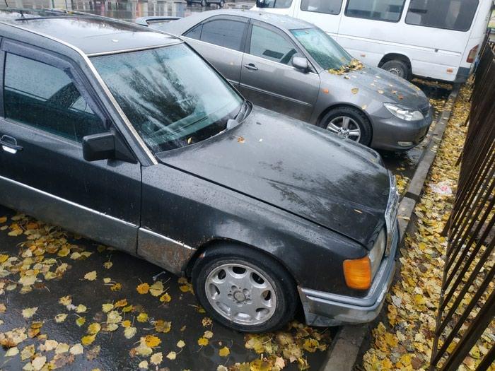 Mercedes-Benz W124 1991. Photo 0