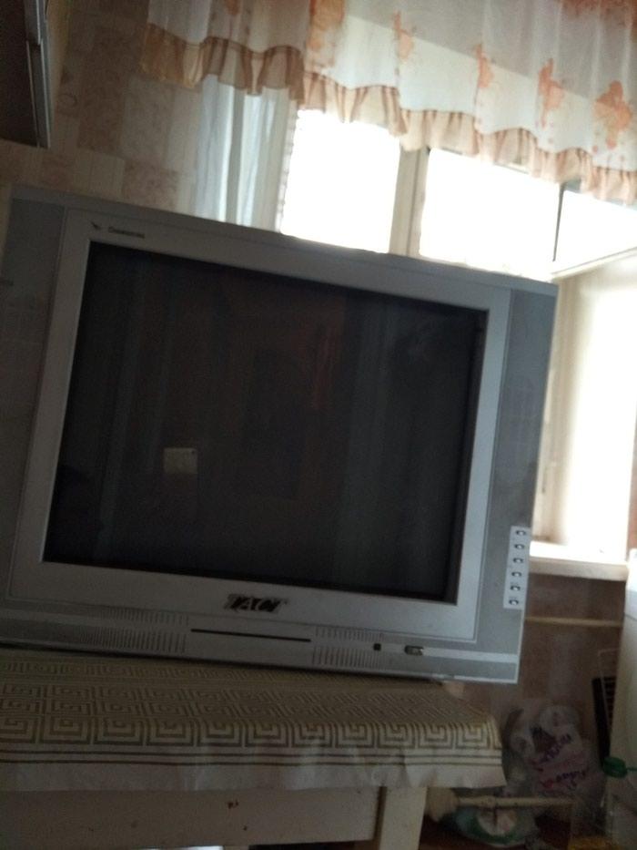 Продаю телевизор в рабочем состоянии. 1500 сом. Торг уместен в Бишкек