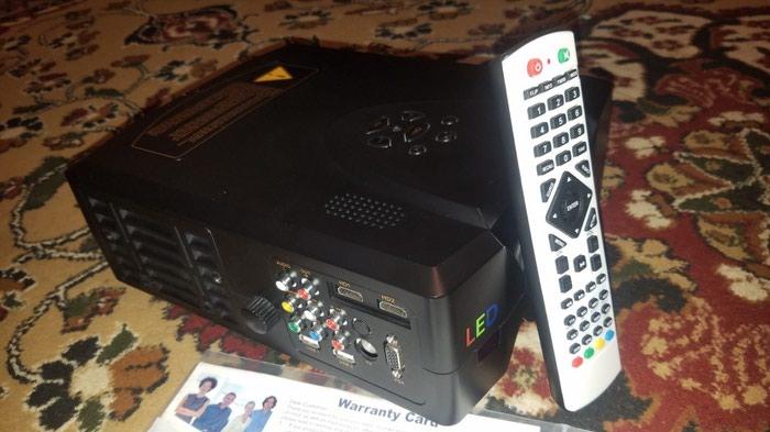 Профессиональный проектор full HD 50000 соат лампа светодиодная led в Душанбе