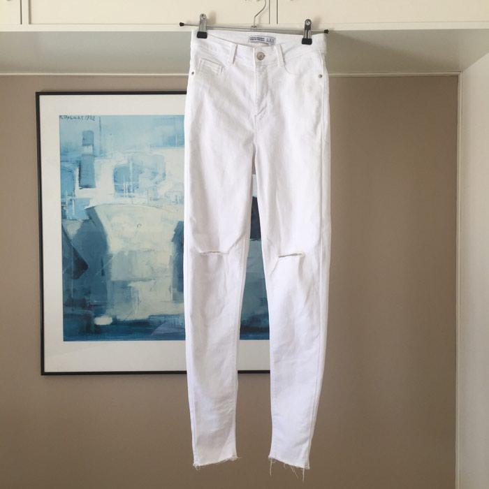 ZARA Denim λευκό skinny τζιν. Είναι ψηλόμεσο. Photo 1