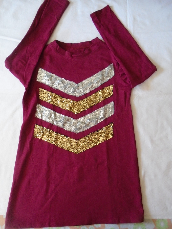 Duži šljokičasti duks/majica za trudnice a može i za nekog ko voli komotnije modele