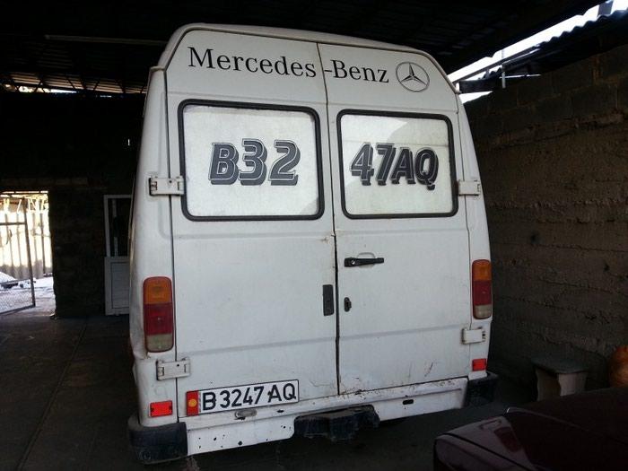 Mercedes-Benz 1993. Photo 3