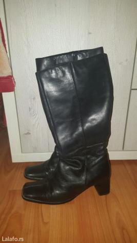 Crne kozne cizme, promenjene flekice, 38 broj, duzina gazista 25 cm, a - Kostolac