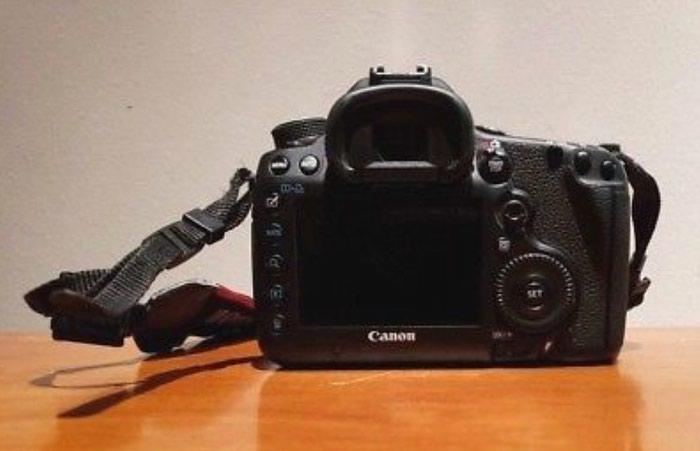 Canon EOS 5D Mark iii 12.8MP Digital SLR Camera - Black. Photo 2