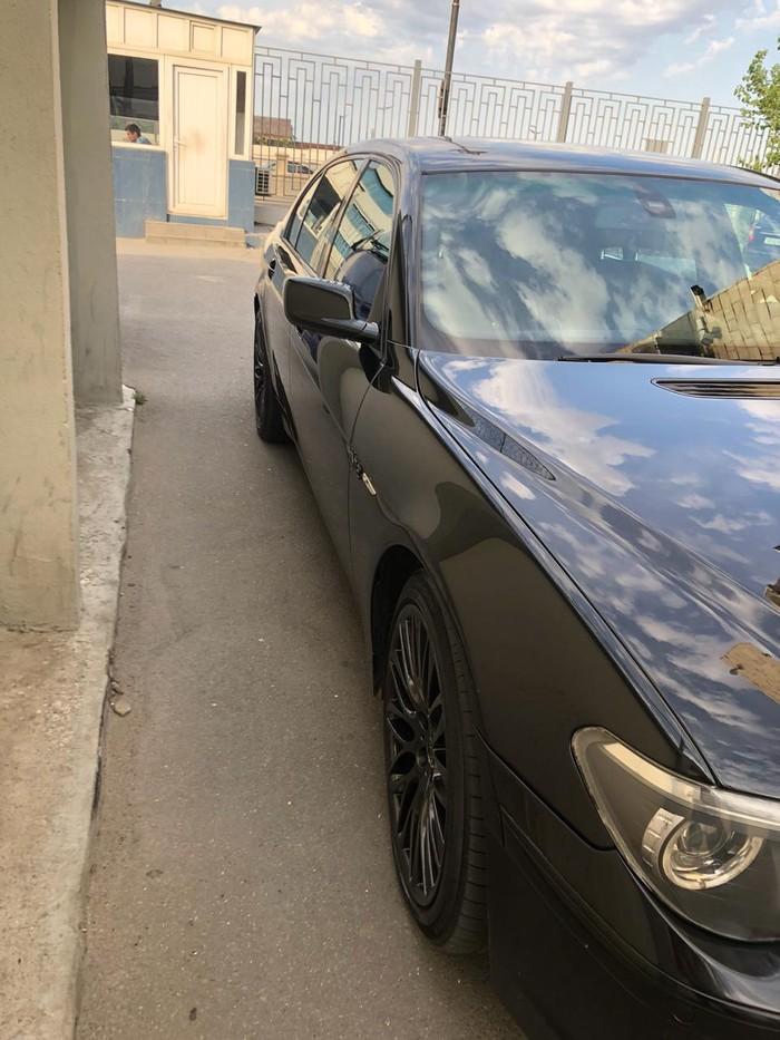 BMW 745 2002. Photo 0