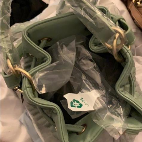 Oλοκαινουργια τσαντα ZARA bucket bag, με υψος 18 cm. Photo 6