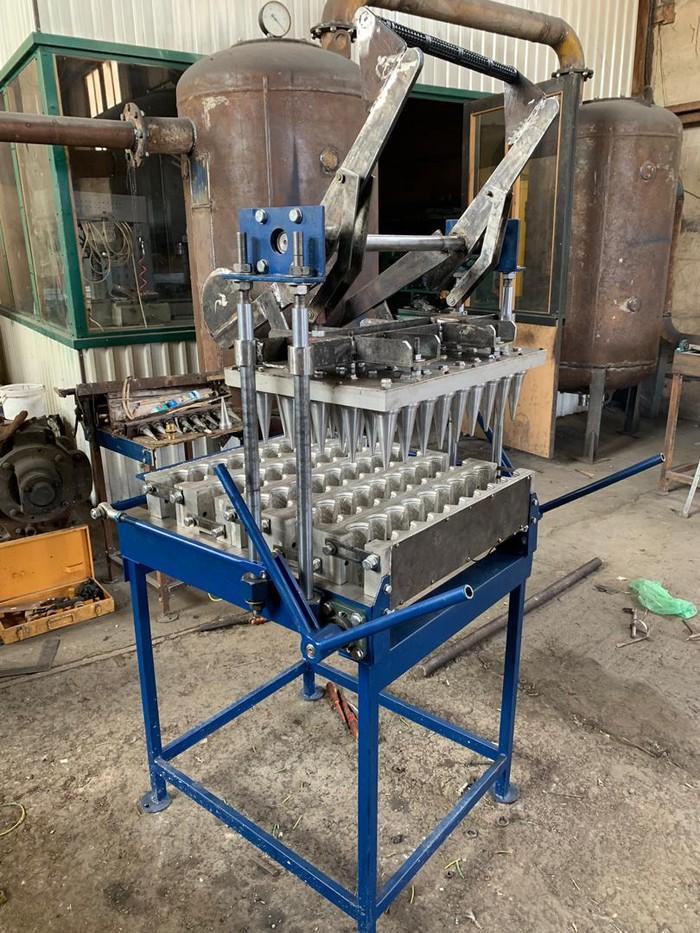 Аппарат для производства вафельных рожков. Photo 0