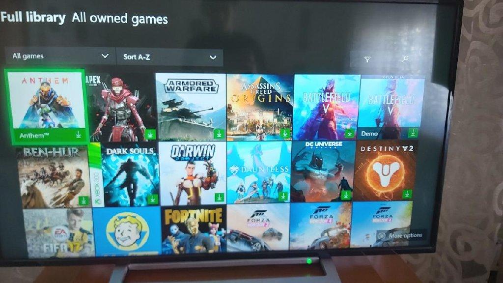 Xbox one s 1tb 2 controller βιβλίοθικη με 49 παιχνίδια