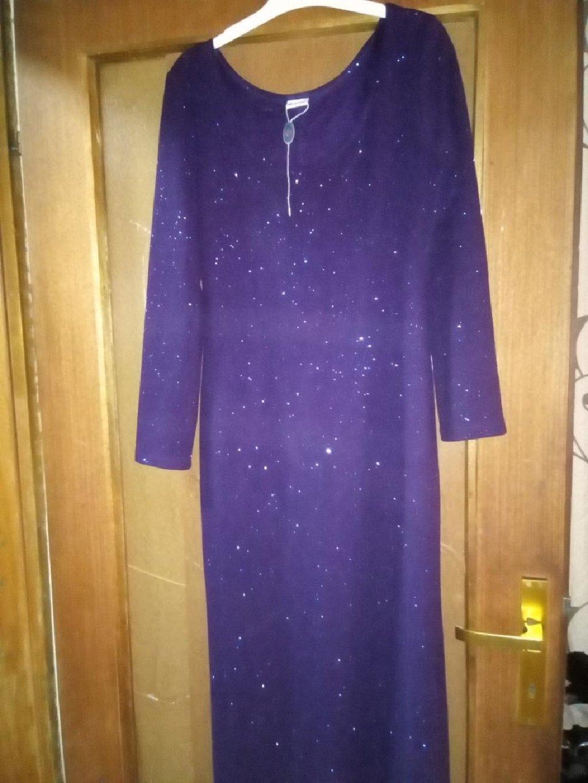 Prelepa večernja haljina,stavila sam upotrebljena jer je samo probana nije nošena,samo 500 din