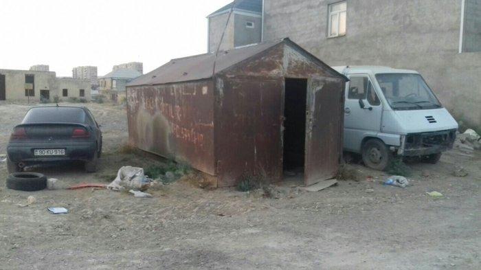 Bakı şəhərində Demir qaraj deyerinden cox ucuz qiymete. Uz. 6m eni. 3m hündürlüyü