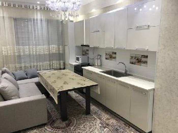 Сдается квартира: 2 комнаты, 80 кв. м., Бишкек. Photo 0