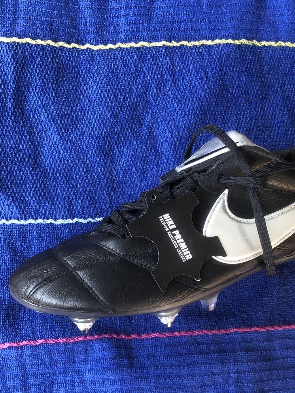 Новые Nike Tiempo бутсы Оригинал.43 размер. Для натурального газона с: Новые Nike Tiempo бутсы Оригинал.43 размер. Для натурального газона с