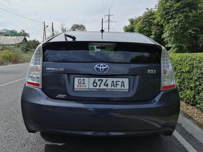 Toyota Prius 2011. Photo 3