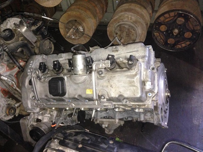 Двигатель на БМВ E60 обьем 2,5, N52, вальватроник: Двигатель на БМВ E60 обьем 2,5, N52, вальватроник