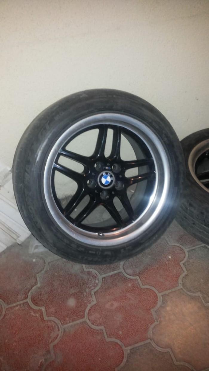 BMW üstən çıxma ikinci əl 18-lik 4 ədəd təkər və disklər!. Photo 0