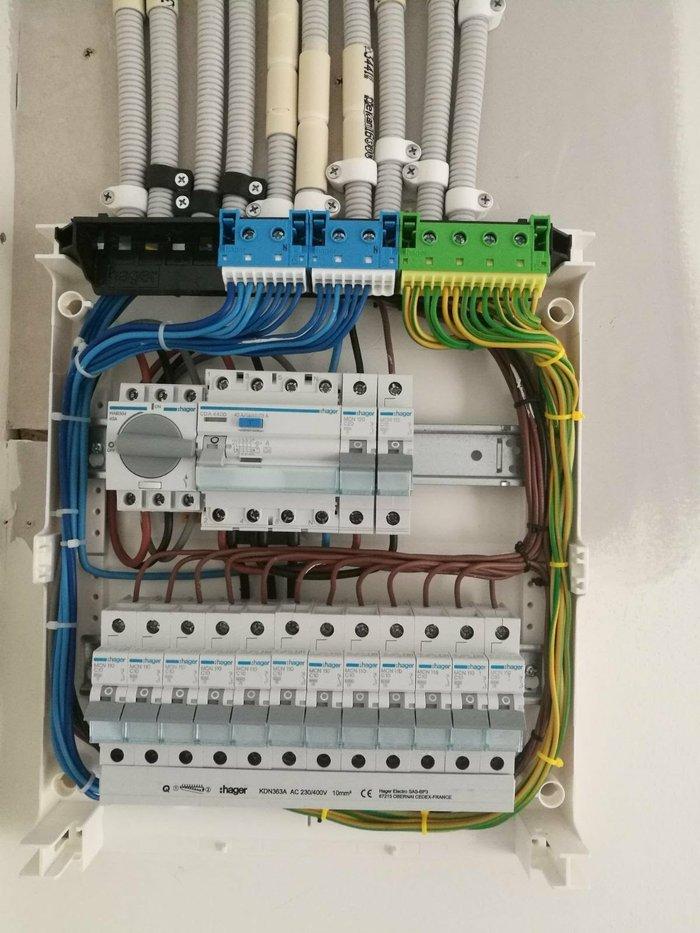 Профессиональные услуги электрика! недорого и качественно! собираю щит в Бишкек