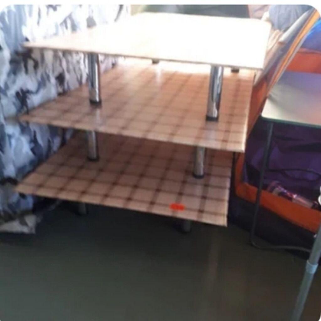 Продаю стол очень легкий удобный на природу .РАЗМЕР ШИРИНА 82см: Продаю стол очень легкий удобный на природу  .РАЗМЕР ШИРИНА 82см