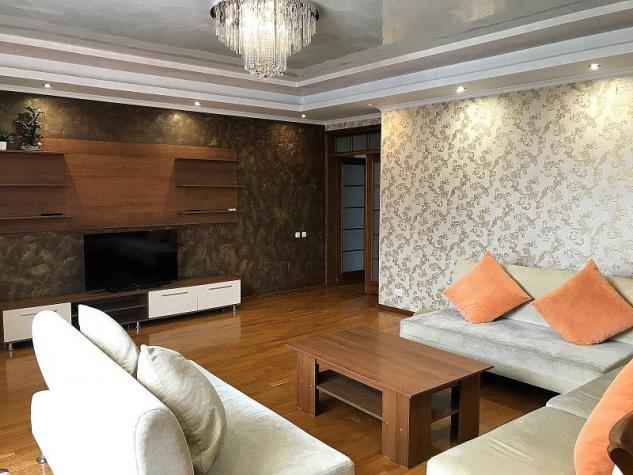 Сдается квартира: 4 комнаты, 145 кв. м., Бишкек. Photo 0