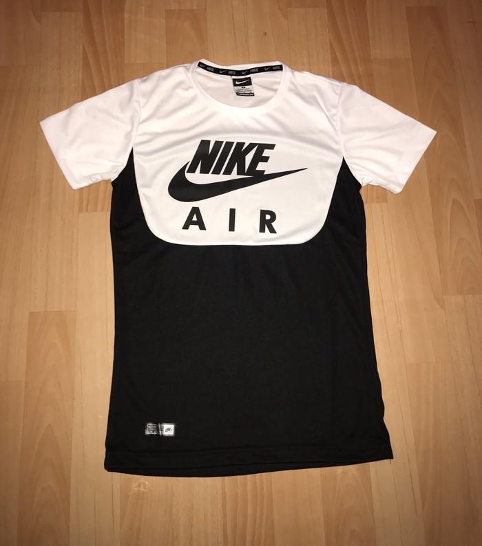 Nike . Photo 0